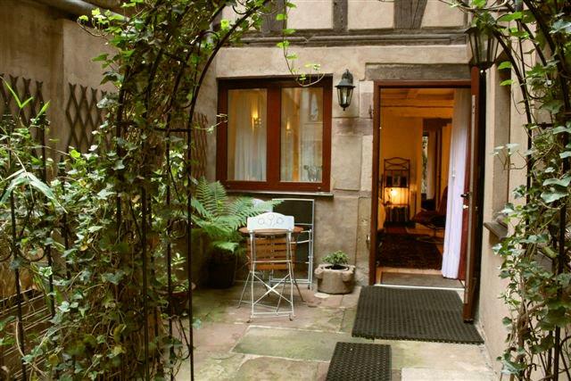 location d 39 un studio strasbourg description du gite et du confort de la chambre d 39 hote. Black Bedroom Furniture Sets. Home Design Ideas